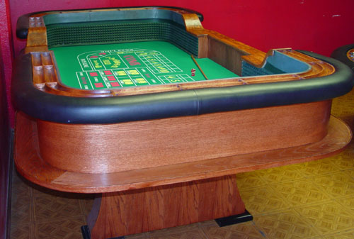 Casino craps table length
